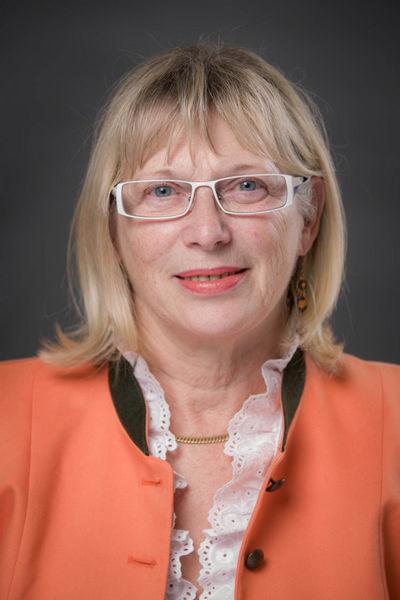 Christine Kronberger - Goldhauben Stadl-Paura
